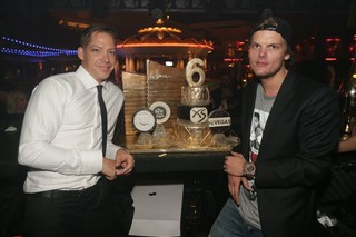A Little Late but Very Alive, Avicii Triumphs at the XS