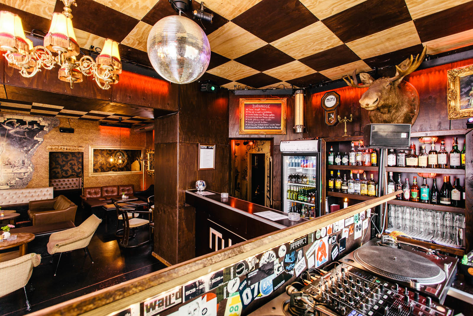 The THUMP Guide to Berlin: The Best Bars to Start Your ...