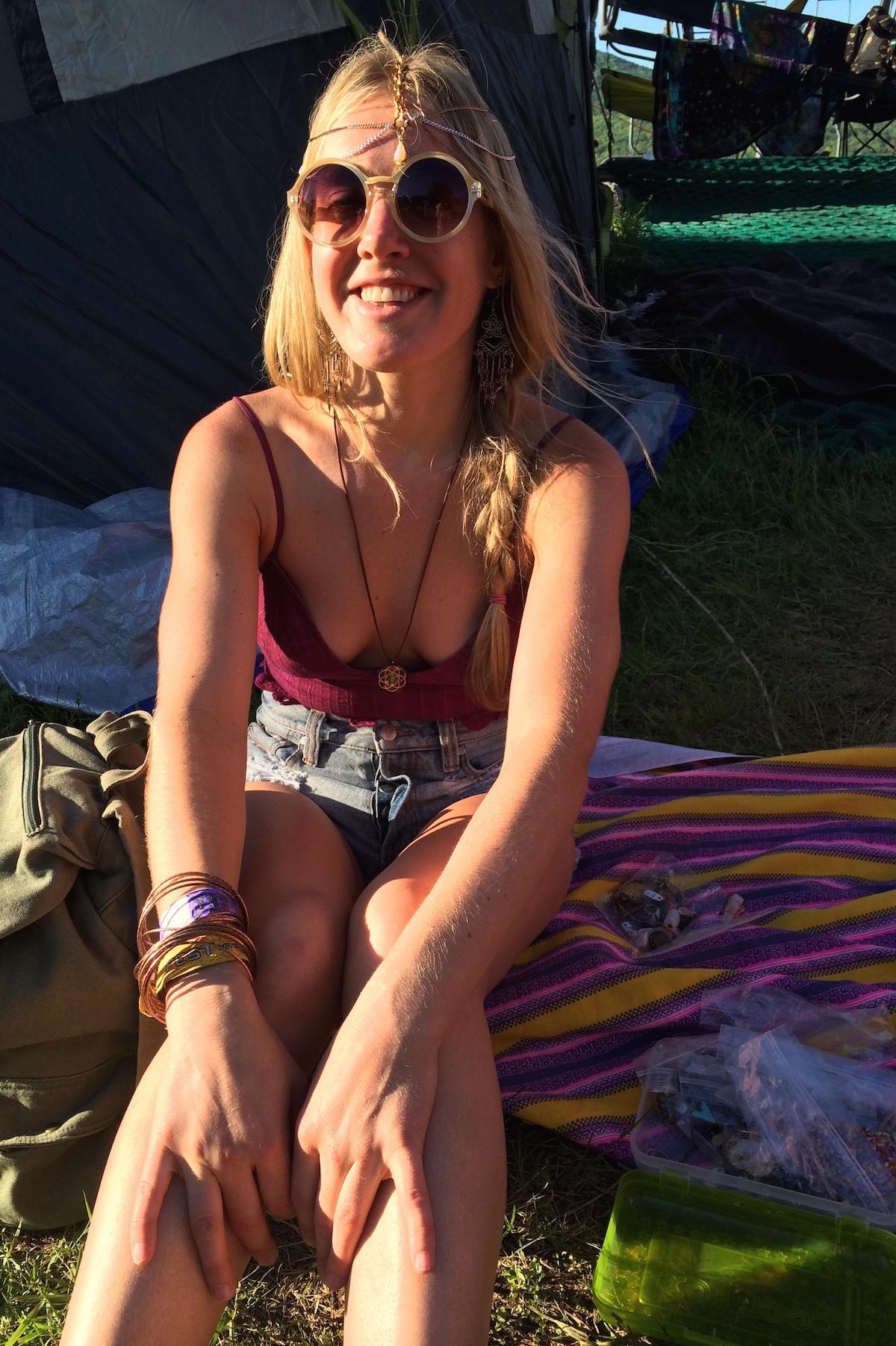 Chicks Hippie Where Meet To