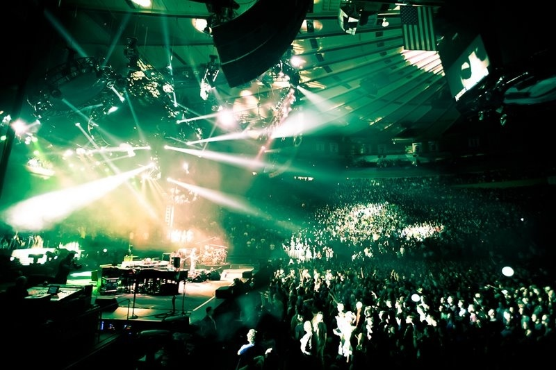 Forget Private Jets, Madison Square Garden is the New Status Symbol ...