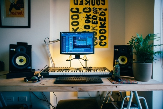Studio setup   FL Studio  KRK Rokit 6   M Audio Axiom 49 Midi Keyboard   Arizona Ice Tea  pair of Sennheiser HD 25 s   a mini palm. In Bed room  With Melbourne Producer Dugong Jr   Thump