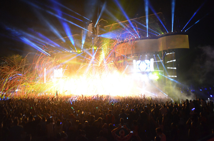 All Of The Lights Meet Man Who Designs Edm S Million