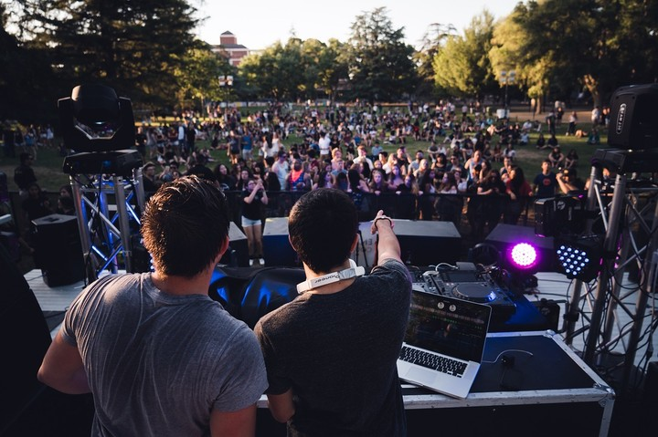 New Study Proves Dancing and Attending Music Fests Improve Your Mood