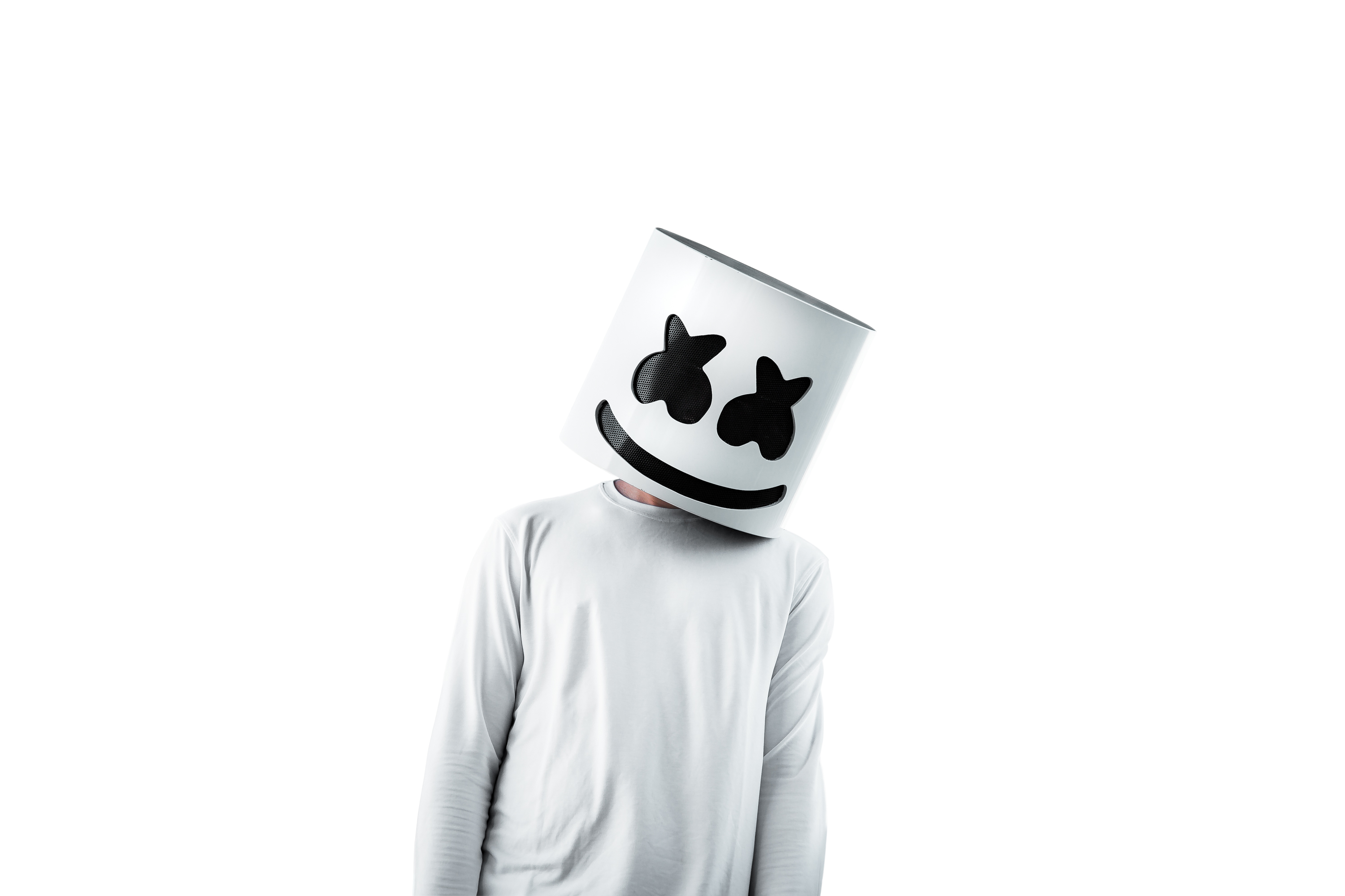 b900eb40b6d6 Someone Dressed up as Marshmello and Played a Set at an Established  Singapore Club
