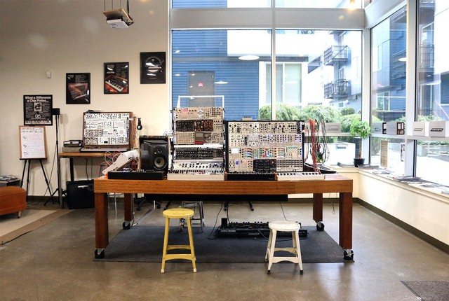 The 9 Best Synthesizer Shops in the US - VICE