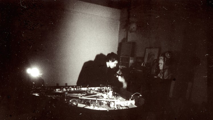"""""""This is My Machine"""" : Leon Michener Makes Techno on a Piano"""