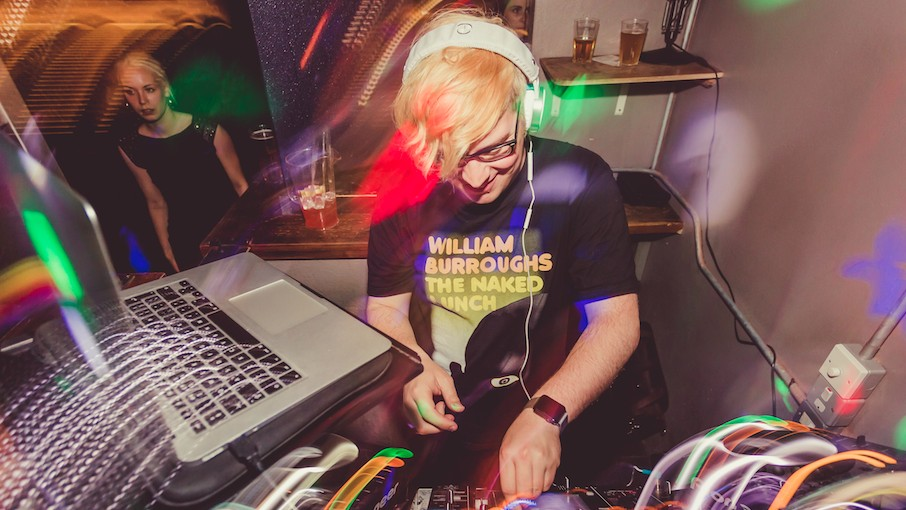 We Asked London's Premier Indie Disco DJ What it's Actually Like to Play The Libertines to Pissed-Up Students