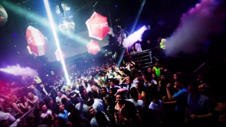 Super Clubs on School Nights: The Sixth Form Clubbing Experience
