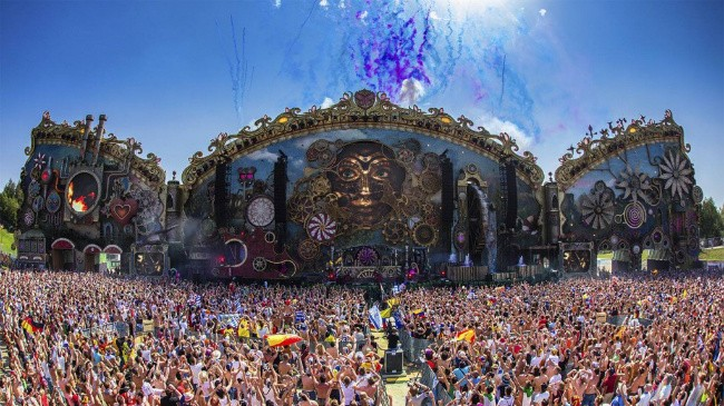 An Open Letter to Tomorrowland's 32-Minute Aftermovie
