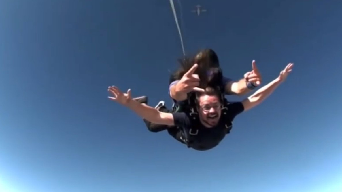 Skydive With Tommy Trash!