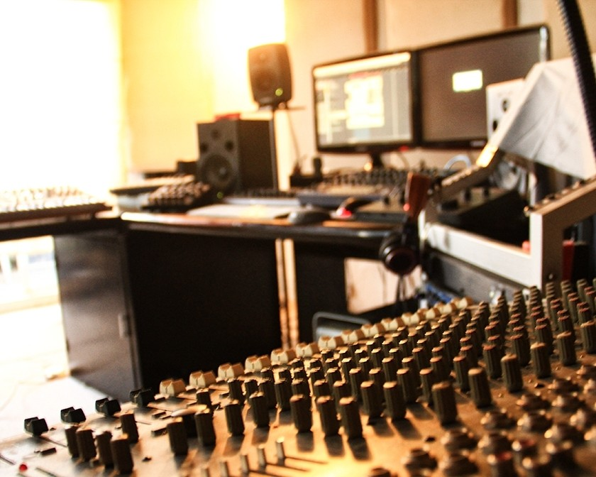 Follow These Tips to Create the Home Studio of Your Dreams