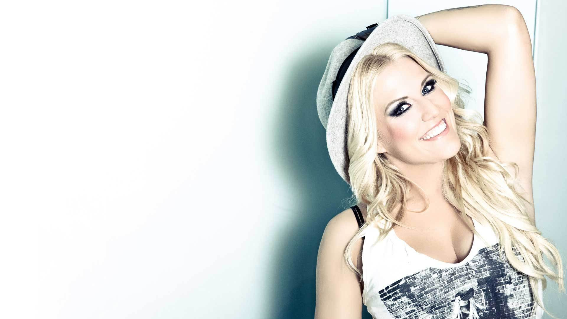 Everytime We Touch: Meeting the Biggest Cascada Fans in Britain