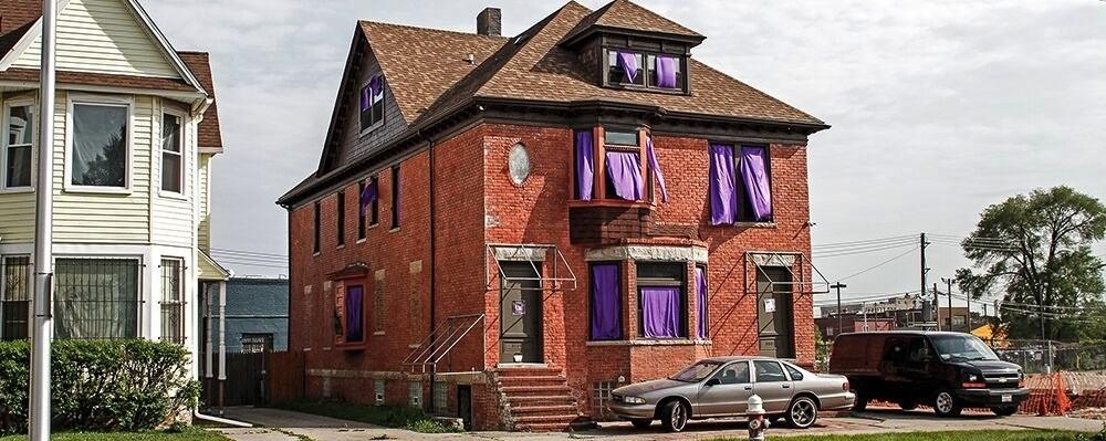 Zu Besuch bei Moodymann, der sein ganzes Haus in einen lila Prince-Schrein verwandelt hat
