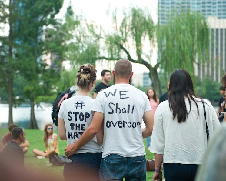 In Bildern: Die Mahnwachen in Orlando