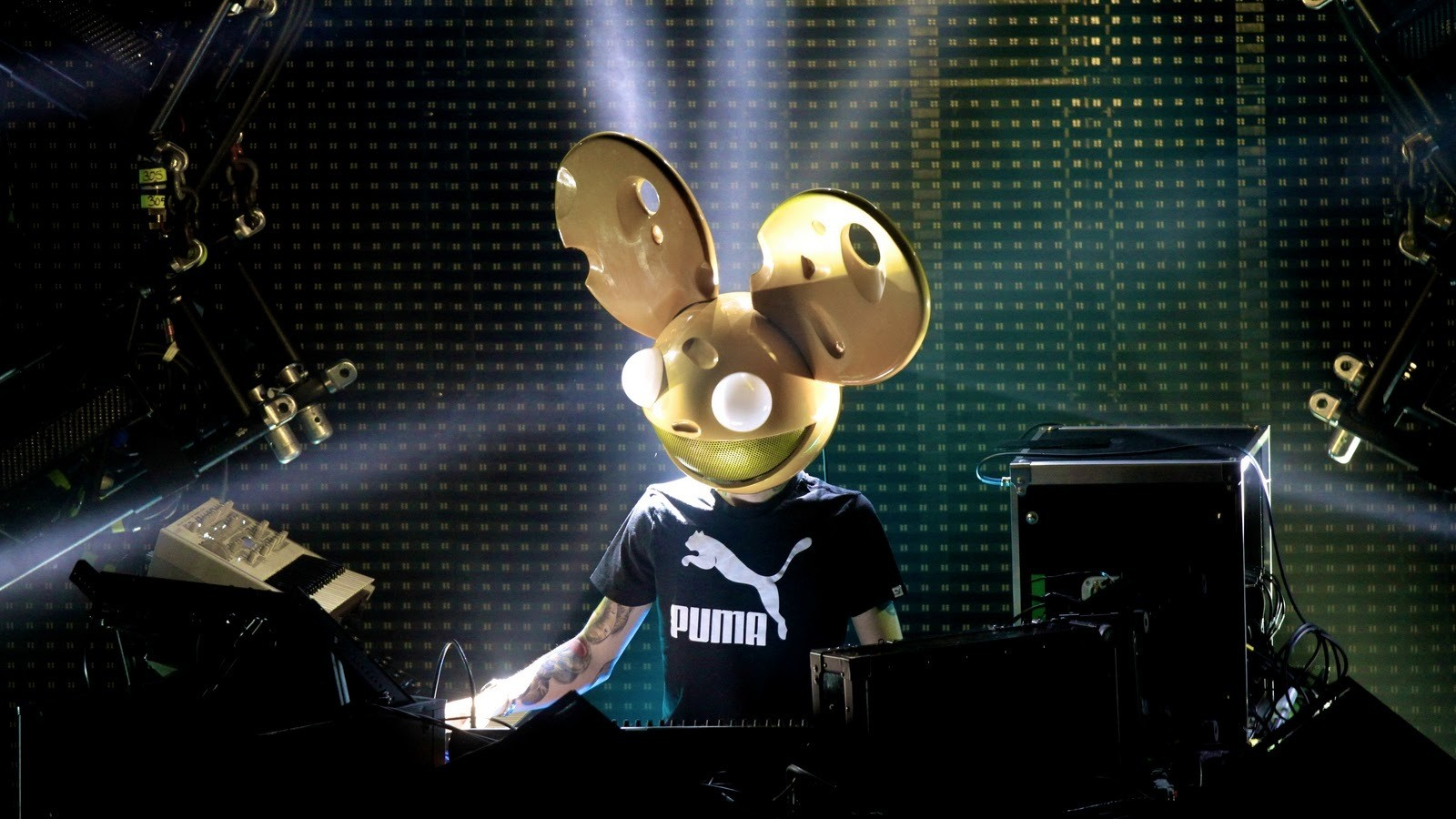 Deadmau5 Is Releasing a Virtual Reality Game Tomorrow