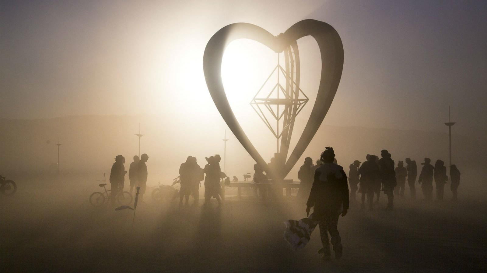 Am Wochenende fängt das Burning Man an—Was passiert und wo es den Livestream gibt