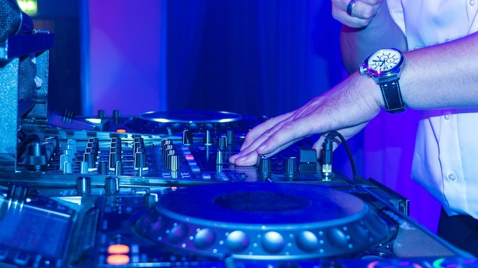 What Does Your Preferred DJing Format Say About You as a Person?