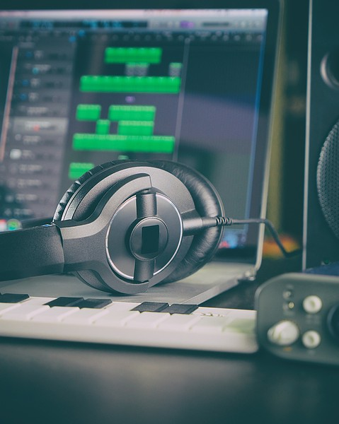 Los mejores sitios para aprender producción en linea