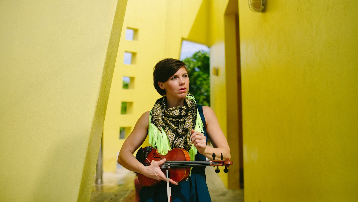 """Loscil's Remix of Sarah Neufeld's """"Where the Light Comes In"""" Is a Dark Blanket for the Ears"""