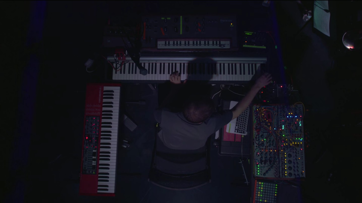 "Watch Floating Points' 11-Piece Band Perform a Stunning Live Rendition Of ""Silhouettes (I, II & III)"""