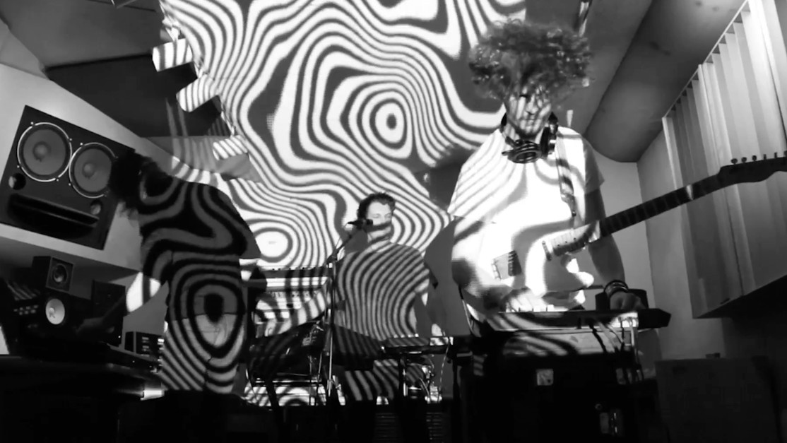 [Premiere] N/UM techno en vivo inspirado en el jazz del siglo XX