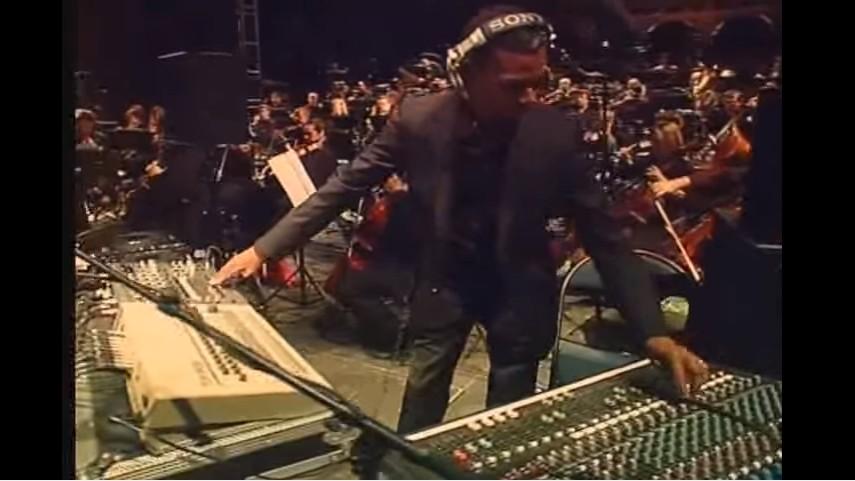 Mira esta presentación de Jeff Mills y la Orquesta Filarmónica Montpellier