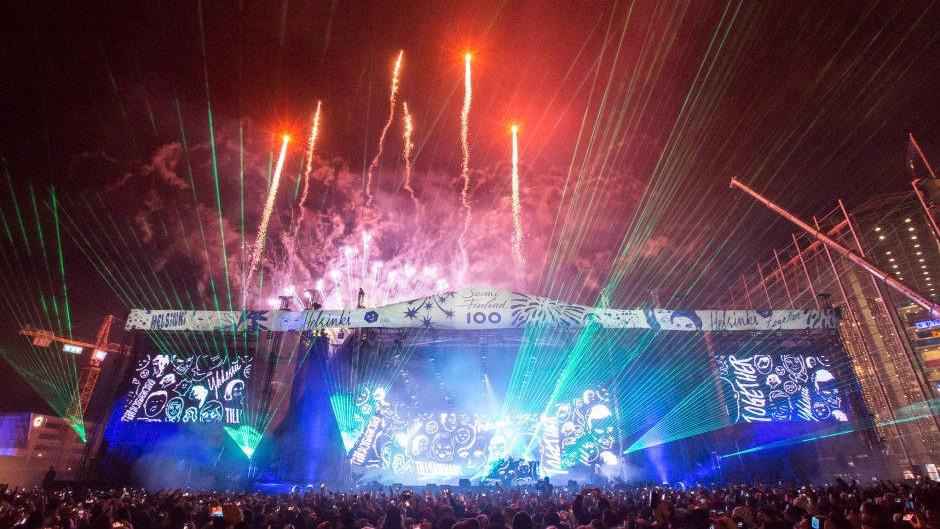 """Con """"Sandstorm"""" de Darude, este festival recibió el Año Nuevo"""